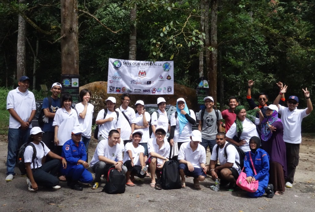 The DSG team with the Waterfall Association!